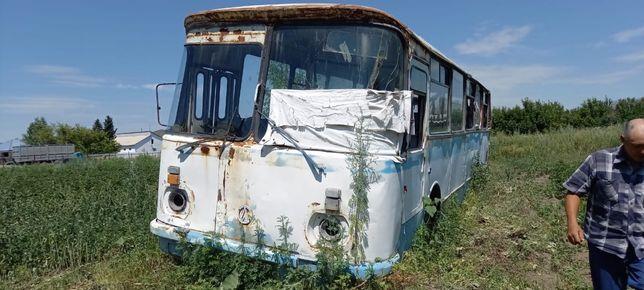Продам автобус .