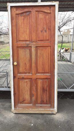 Дверь!Б/у в хорошем состоянии!!! цена 11000тыс!!!Звонить по номеру !!!