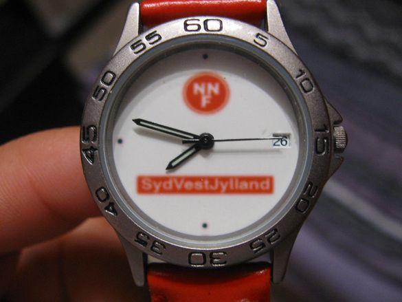 WMC watches 8865 дамски часовник с червена верижка