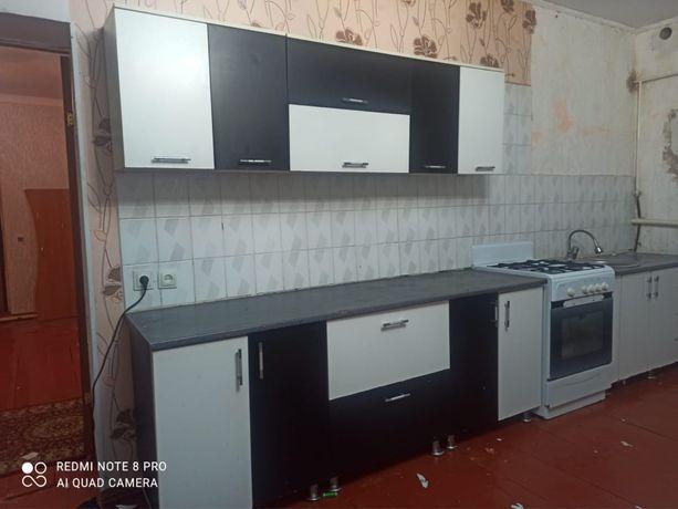 Кухонный гарнитур и газ плита