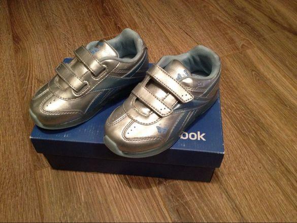 оригинални нови детски светещи обувки Reebok