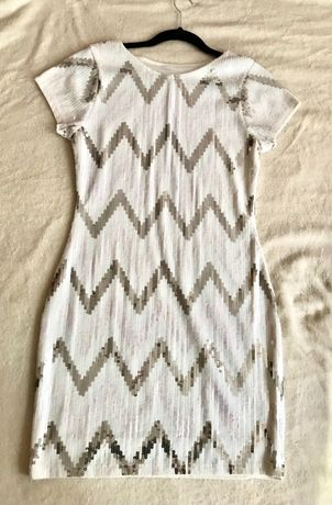 Уникална бяла парти рокля с пайети