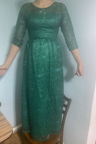 Вечернее платье размер с м цена 15000 тг