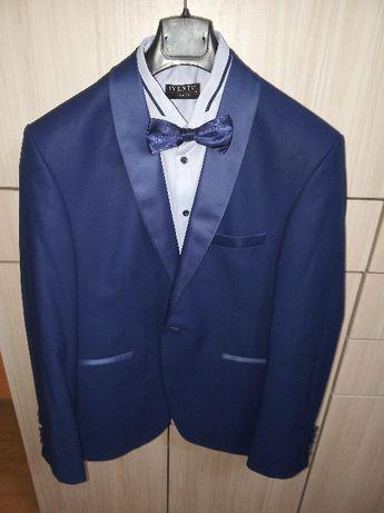 Продавам абитуриентски костюм