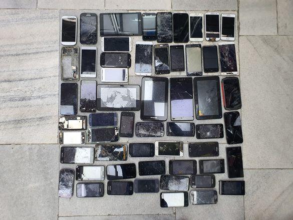 Телефони за части по 10 лв на брой  (2- 12 )