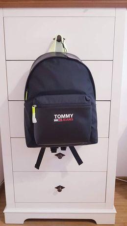Rucsac nou Tommy Hilfiger.