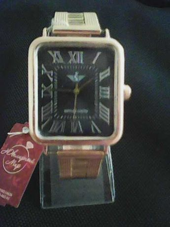 Часы 585 пробы золотые.