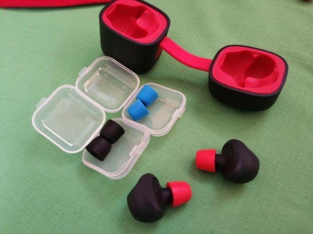 Ear-tips-uri din spuma cu memorie pentru casti in Ear, cutiuta cadou!