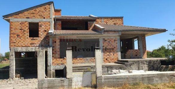 Самостоятелна къща село граф Игнатиево