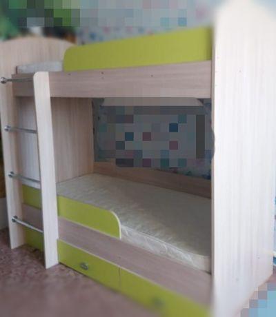 Продам кровать двухъярусная