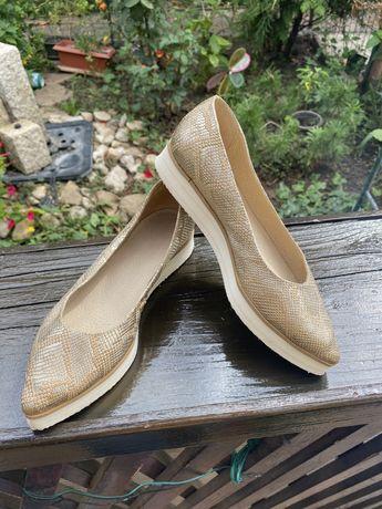 Pantofi comozi din piele aurii marimea 34