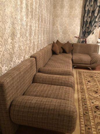 Гостиный тканевый диван