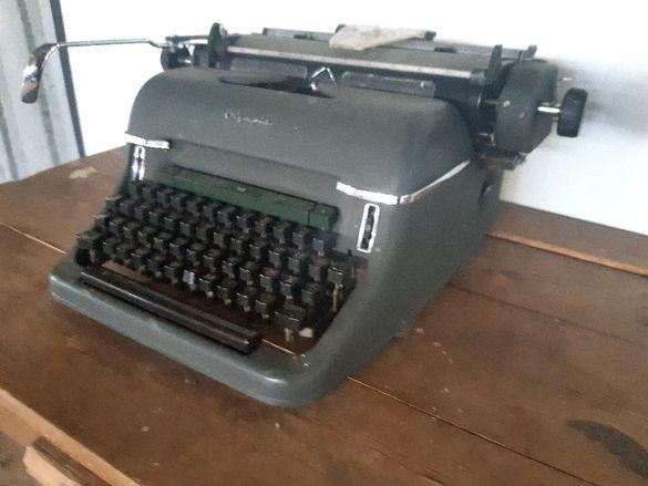 Антикварна пишеща машина Olympia Super De Luxe