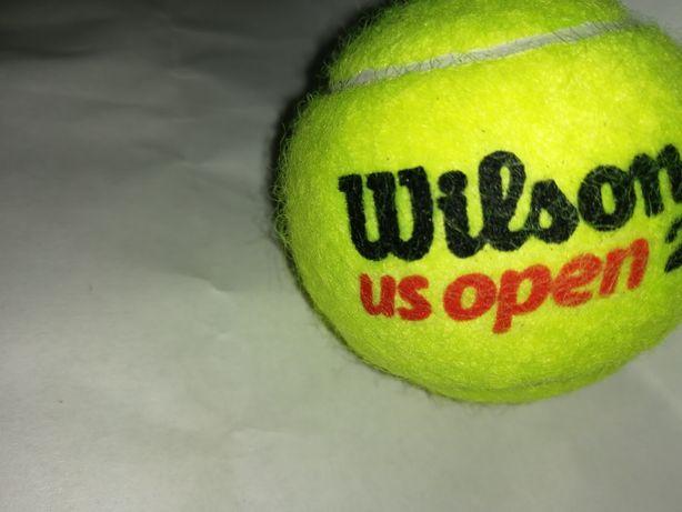Minge de tenis Wilson cu semnătura Simonei Halep inscriptionată