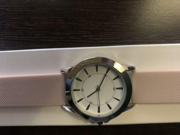 Часы от Ивроше новый