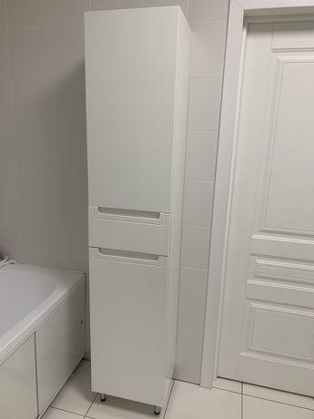 Пенал в ванную, цвет белый гдянцевый, высота 195 см.