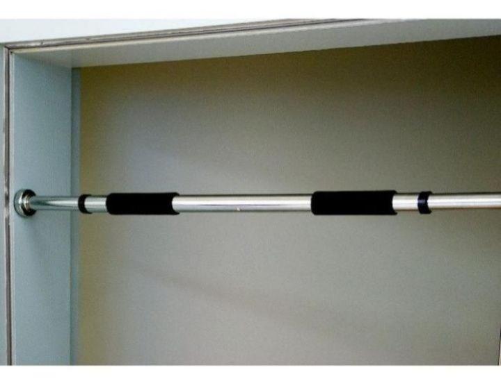 Турник в дверной проем раздвигается с двух сторон в наличии