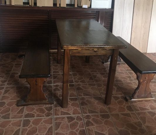 Стол и лавки