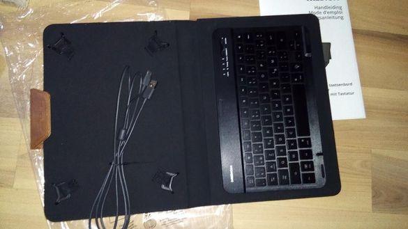 Калъф с bluetooth магнитна клавиатура MEDION за таблет 10'' Черни, Но