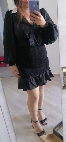 Сатенена рокля размер М
