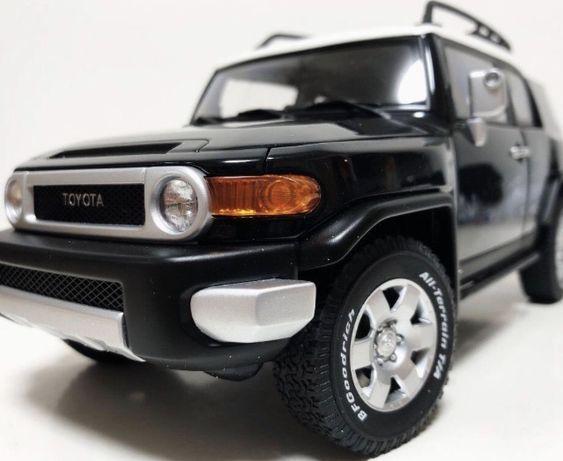 1:18 FJ Cruiser Auto art модель