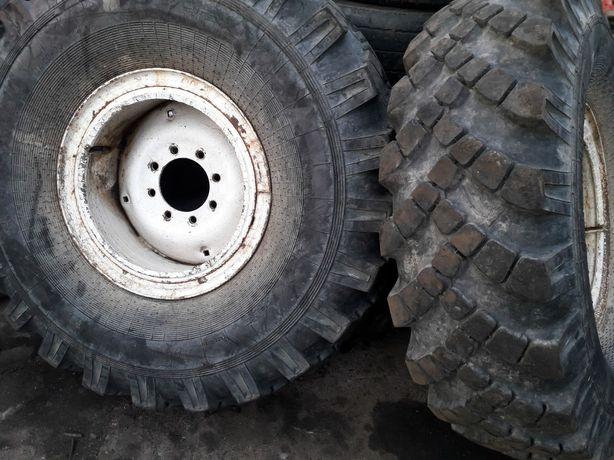 Vand roți, jante si anvelope pentru tractor universal