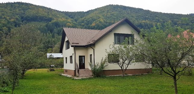 Vilă superbă în Dragoslavele (lângă Rucăr), la DN 73 (Brașov -Pitești)