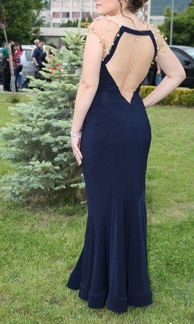 Страхотна рокля с камъни