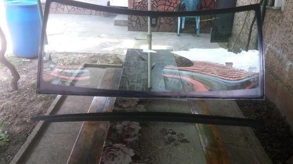 Предно стъкло