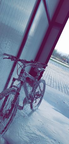 Vând bicicletă Giant
