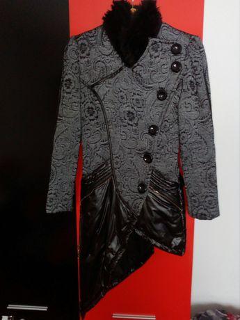 Страхотно палто Луци