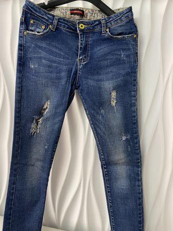 Продам джинсы 1500