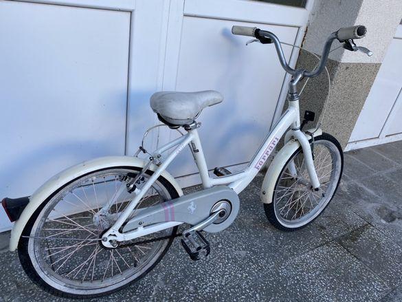 """Продавам оригинално детско колело 20"""" Ferrari модел cx31"""