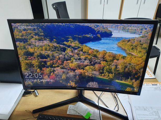 Samsung curved 144hz 4ms LC24RG50FQUXEN monitor