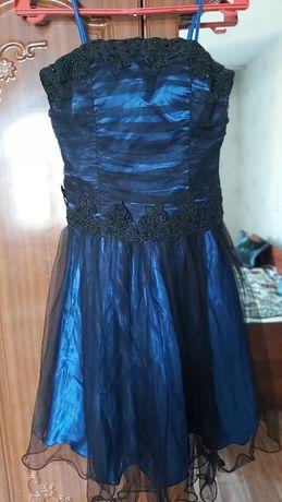 Продам красивые вечерние платья