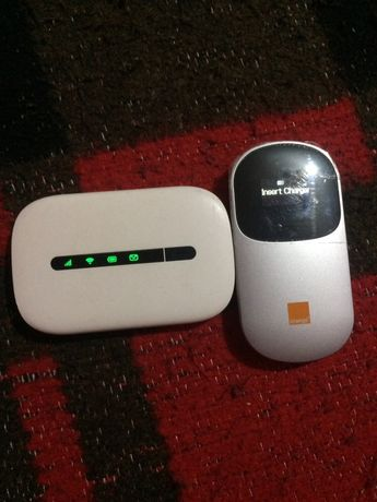 Vând routere mini (pe SIM) 3g ambele