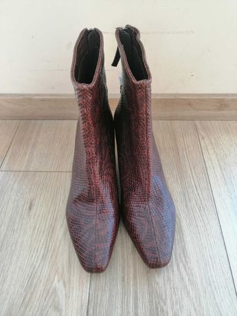 Нови обувки на ток Reserved номер 41. Естествена кожа