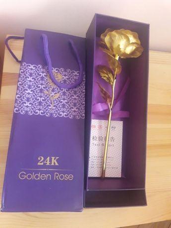 Златна роза 24 карата в кутия подарък 08.03 март злато ТОП