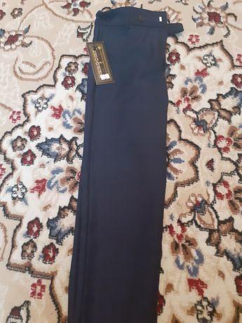 Новые школьные брюки 2200