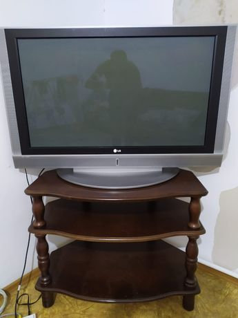 Телевизор LG в отличном состоянии