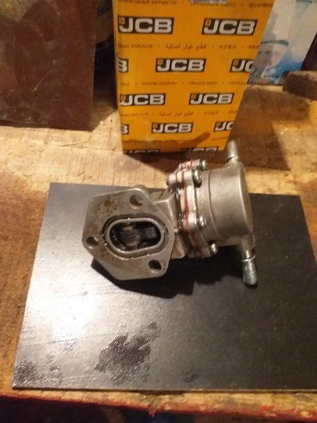 Pompă motorină jcb