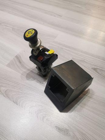 Suport metalic pentru  joystick, maneta, comandă de basculare
