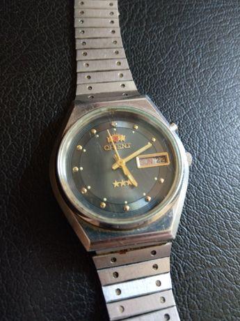 Часовник Orient 469