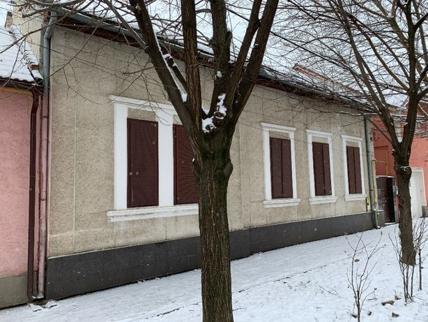Casa cu curte comuna, 4 camere, ultracentral, str Afinelor,