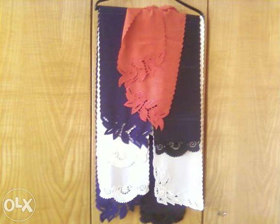 Дамски шал с рязана бродерия