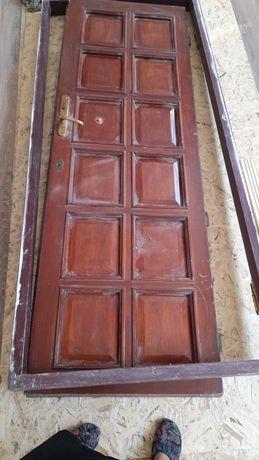 Двери межкомнатные ,дубовые