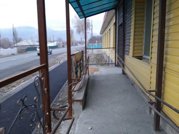 Продам здание под магазин, кафе.