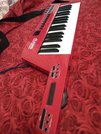 наплечная MIDI-клавиатура Alesis vortex 2