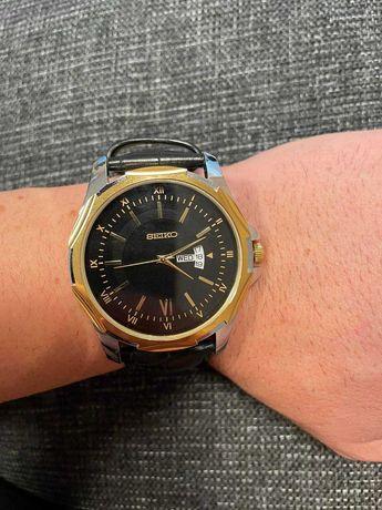 почти чисто нов часовник SEIKO много запазен