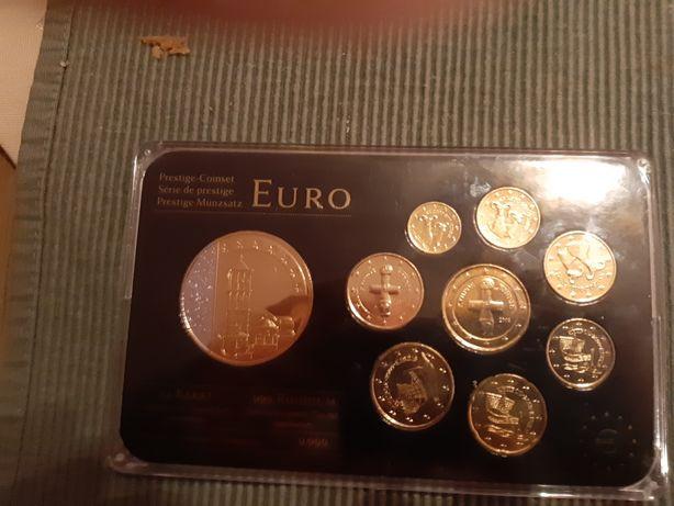 Vand monede de colecție